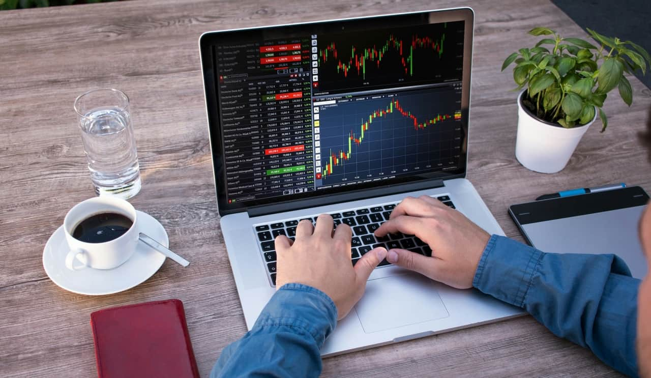 Best Laptop for Stock Trading in 2020