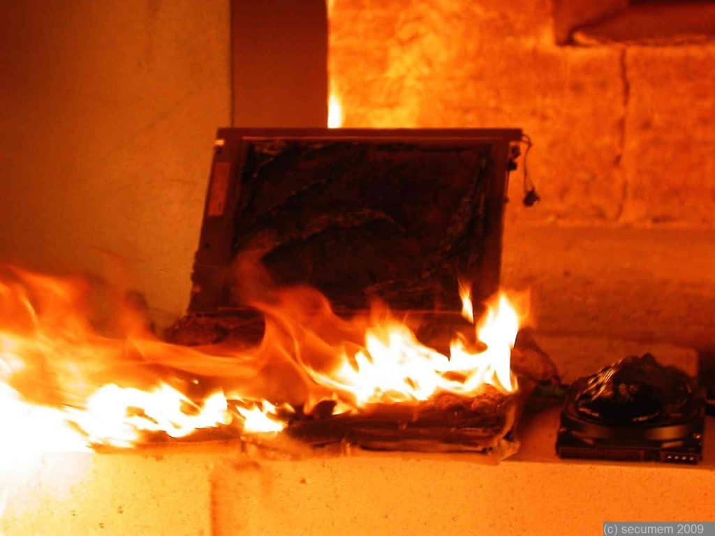 How to Troubleshoot a Laptop With Burning Odor
