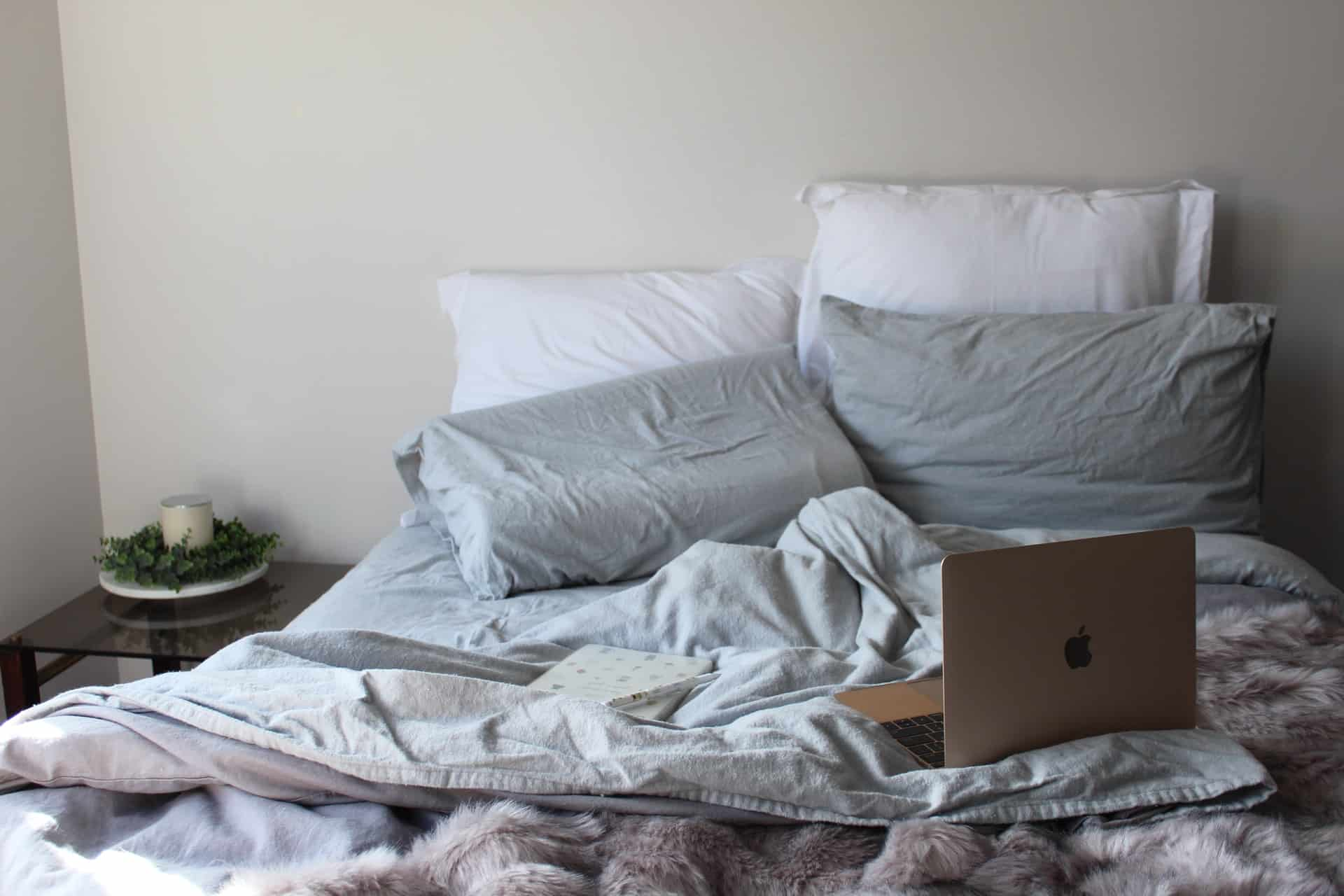 How to Use Your Laptop on the Bed